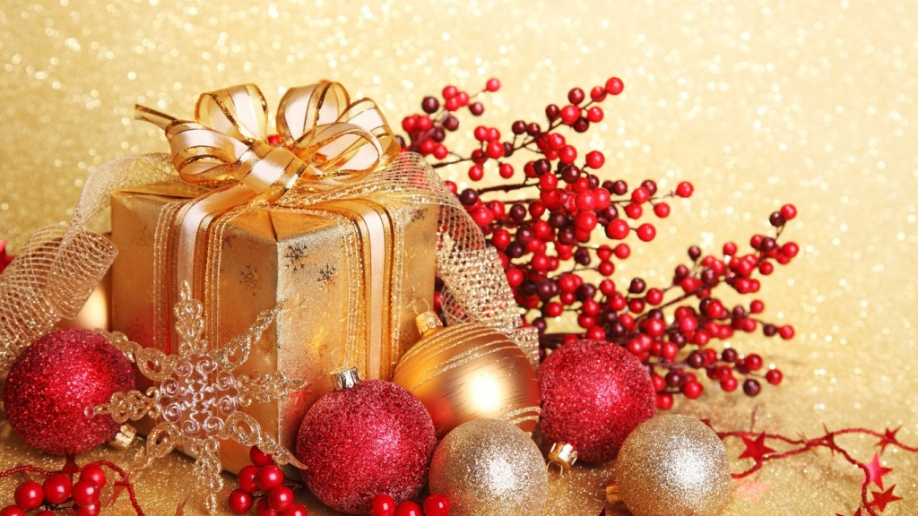 Wonderful-Christmas-ball-and-gift-box-with-glitter_1366x768